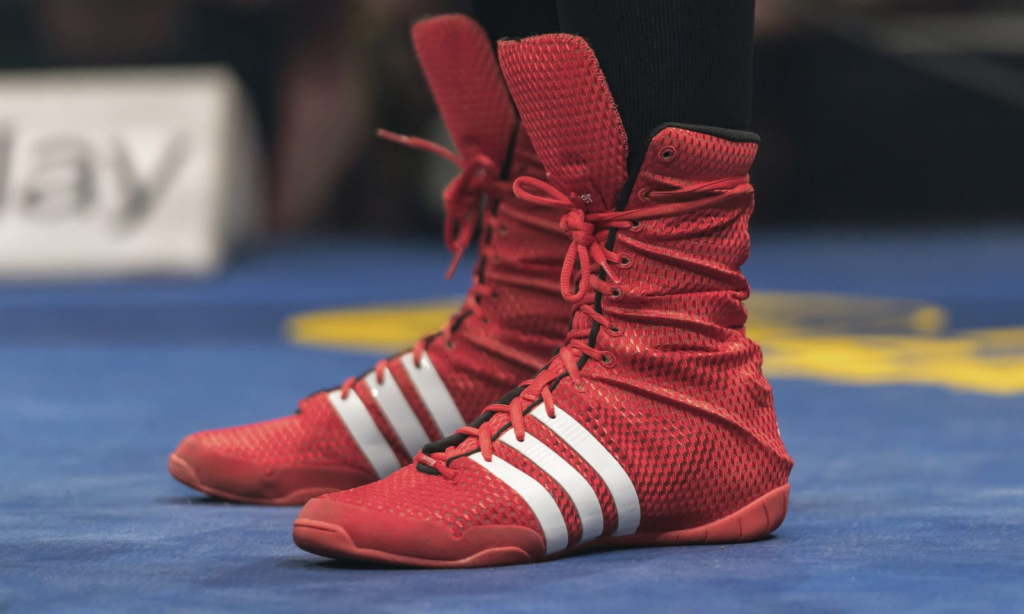Boxing shoes are high ankle shoes