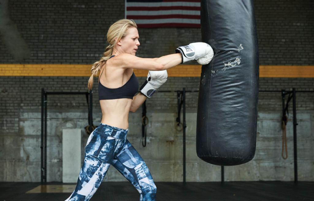 girl love boxing